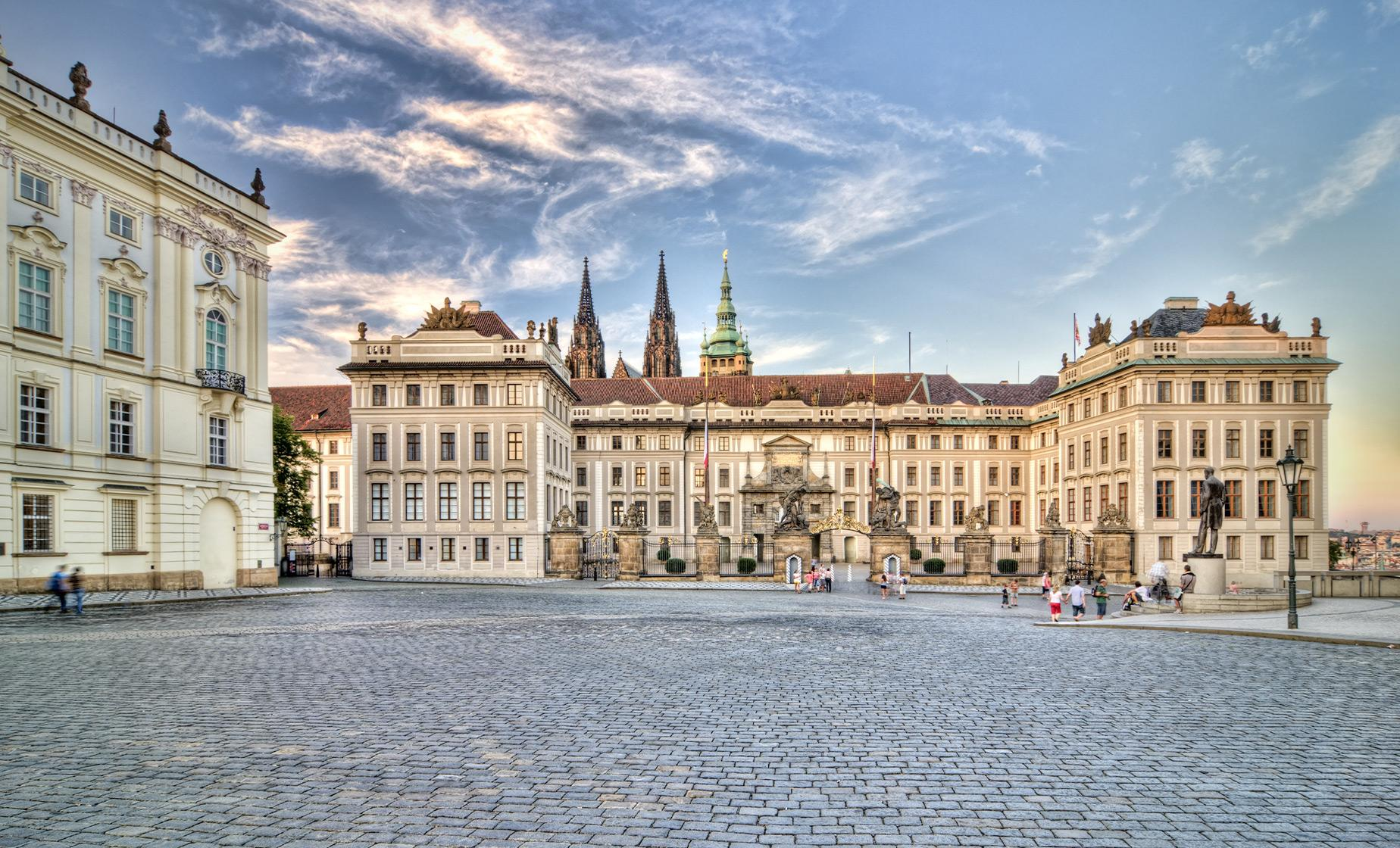 Panoramic & Prague Castle Bike Tour