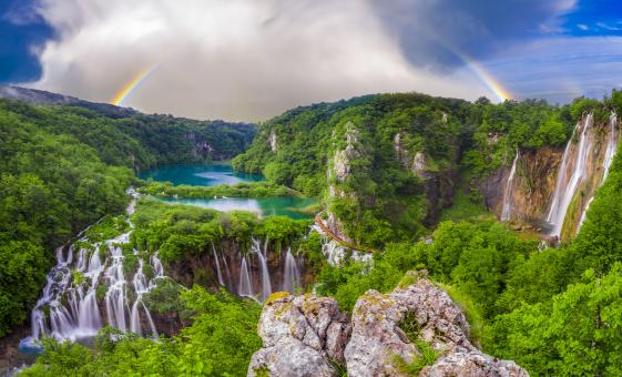 Private Plitvice Lakes National Park and Lake Cruise