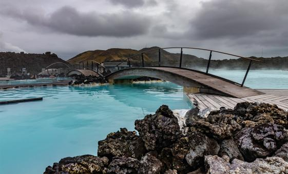 Hiking outskirts of Hveragerdi, bathe in geothermal hot springs