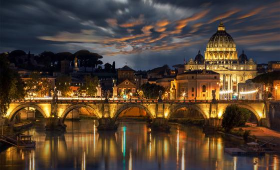 Dinner and Night Bus Tour through Rome to Ara Pacis and Trevi Fountain