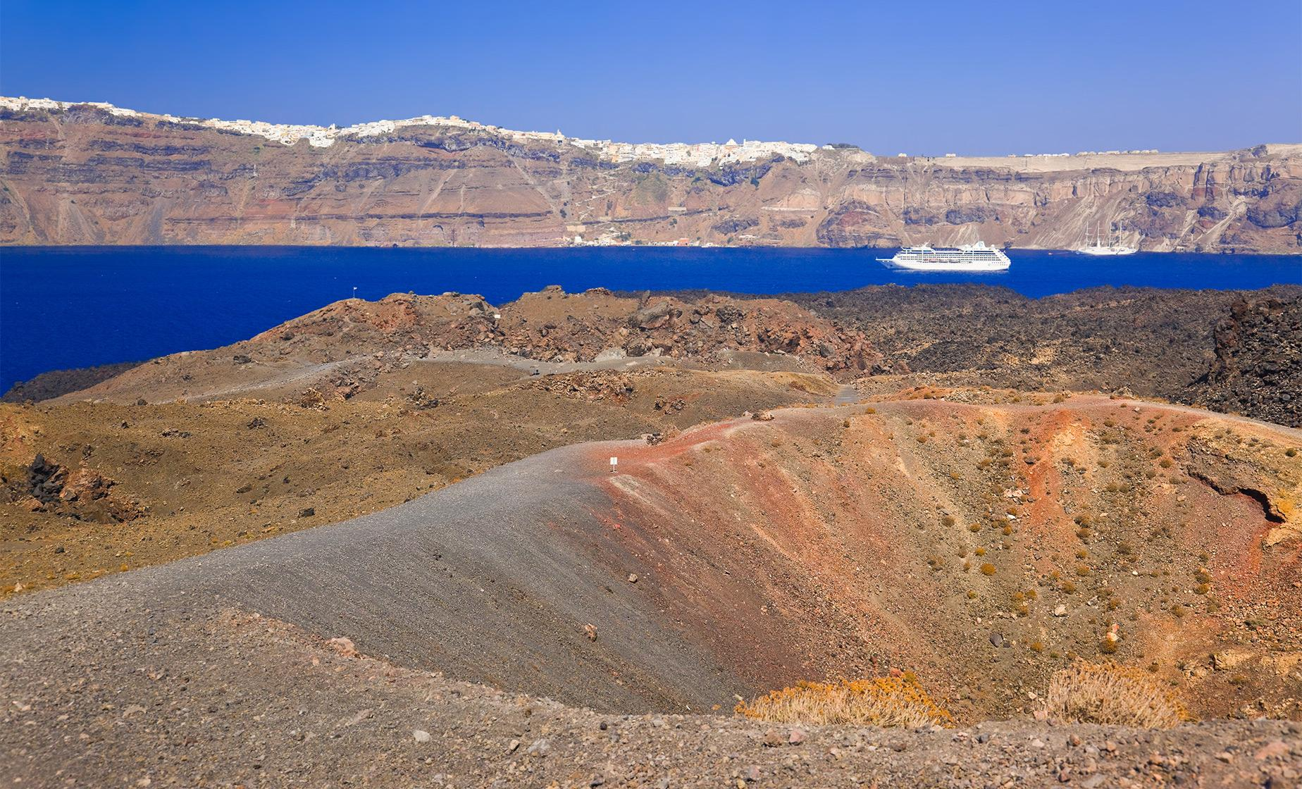 Volcano, Hot Springs and Thirassia Tour (Caldera, Nea Kameni, Mediterranean Sea)