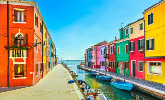Discover Murano and Burano by Motorboat