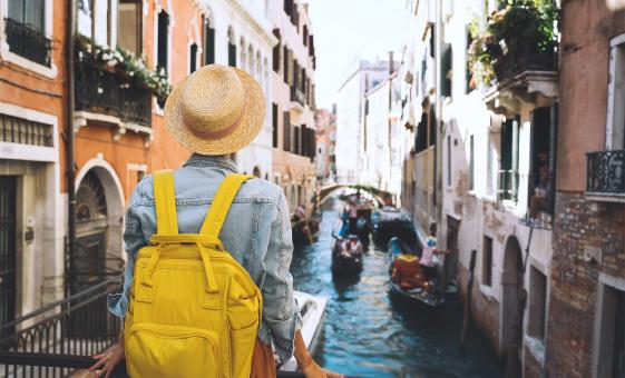 Venice Walking Tour and Gondola Ride Tour (St. Mark's Square, Doge's Palace, Bridge of Sighs)