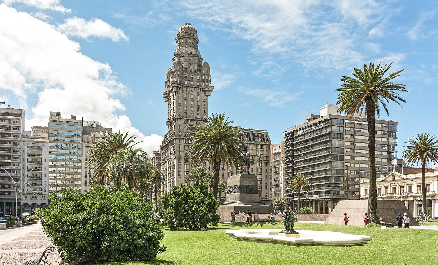 Exclusive Best of Montevideo Tour (Old Town, Port Market, Parliament Palace and the Rambla)