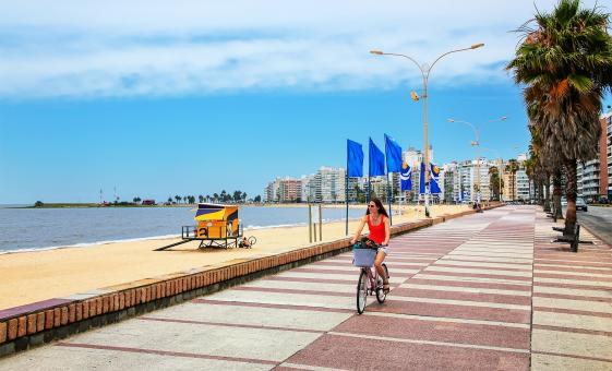 Biking Montevideo