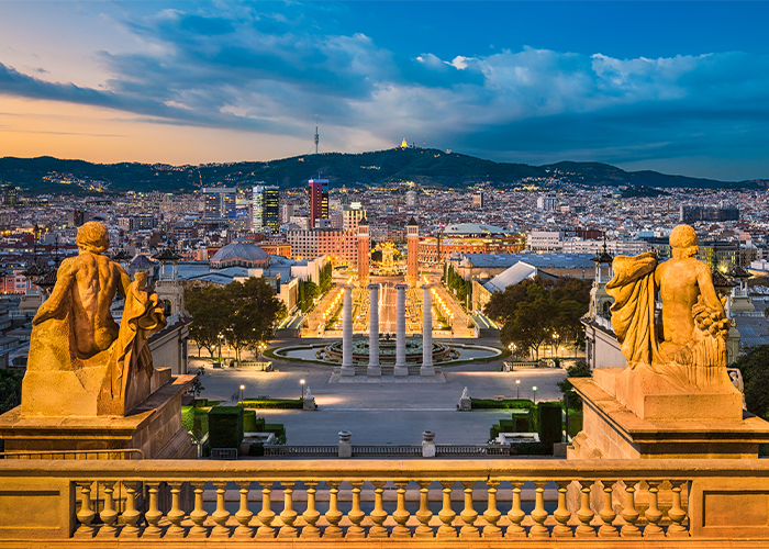 Barcelona tours to Spanish village.