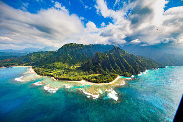 Hawaii cruise excursions to beach mountain wilderness.