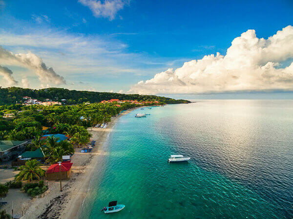 Roatan tours to scenic beaches.