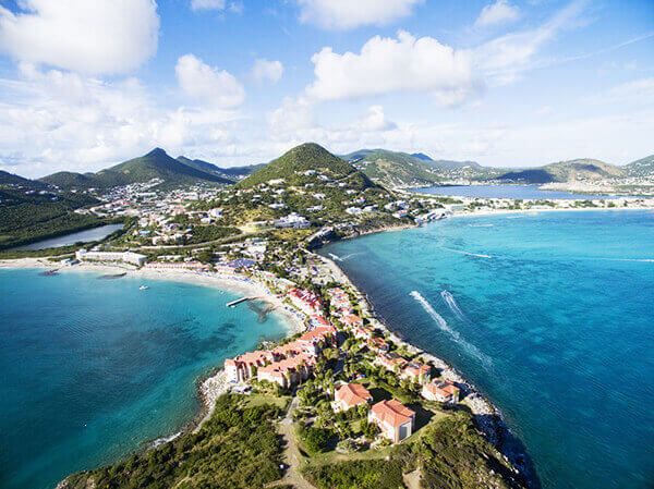 St. Maarten excursions to coastal beaches.